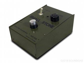 Electro-Harmonix-Sovtek-Small-Stone-Cover-2_ad8f8513-26c8-47f0-9648-24e3c1ab9655