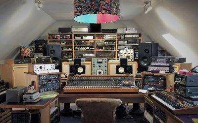 Soundgas-Studio-Shot-Full-c-scaled