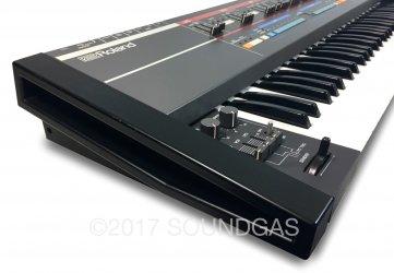 Roland Juno-106 240v