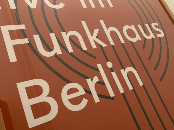 Funkhaus-Poster