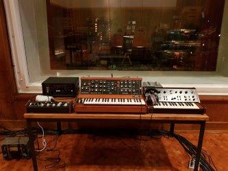 Nils-Frahm-Studio-Funkhaus-Soundgas-Minimoog-scaled