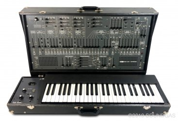 Arp-Tonus-2600-With-Keyboard-Cover-3