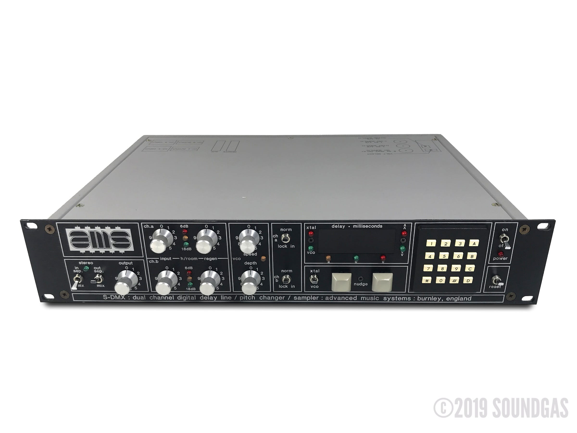 AMS-SDMX-Digital-Delay-Pitch-Shifter-Sampler-Cover-2