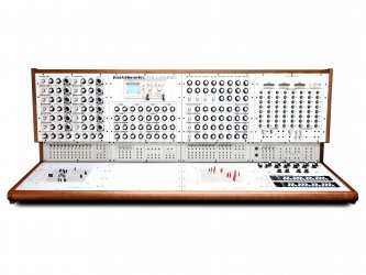 Analogue-Solutions-Colossus-Analog-Modular-Synthesizer-Cover-2