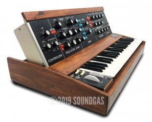Moog 1974 Minimoog Model D + Kenton MIDI