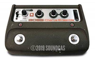 Boss CE-1 Chorus Ensemble + Box