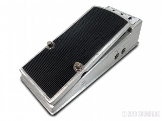 Fender-Fuzz-Wah-Effect-Pedal-Cover-2