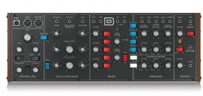 behringer_model_d_head_on