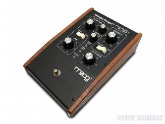Moog-Moogerfooger-MF-104Z-Analog-Delay-SN1820-Cover-2