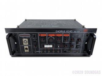 Roland-SRE-555-Chorus-Echo-SN162700-Cover-2