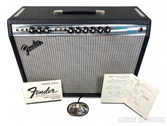 Fender-Vibrolux-Reverb-Guitar-Amplifier-280820-Cover-2