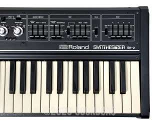 Roland SH-2 Synthesizer