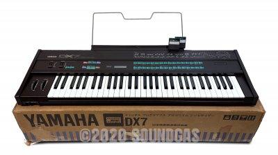 Yamaha DX-7 – Mint + Accessories