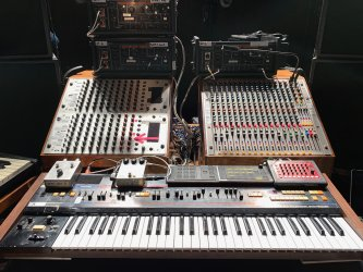 Nils-Frahm-Juno-60-RE-501-MFB-522-Vermona-DRM-1-scaled