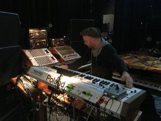 Nils-Frahm-live-rig-scaled