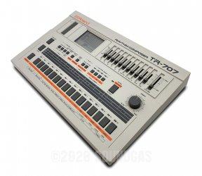 Roland TR-707 Expanded (727 808 909 Linn LM1 DMX)