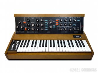 Moog-Minimoog-Model-D-Reissue-SN0608-Cover-2
