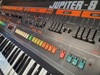 Roland-Jupiter-8-6