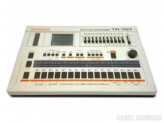 Roland-TR-707-Rhythm-Compsoer-SN504700-Cover-2